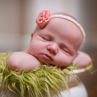 Savvy Images Newborn Photographer Featured