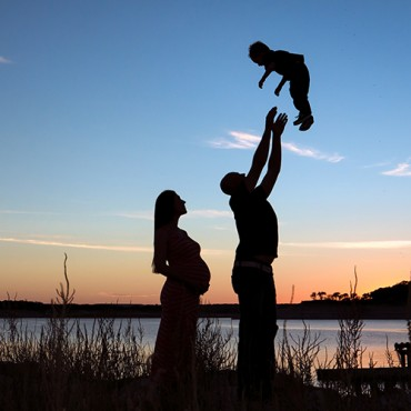 Savvy Images Sunset Maternity Photos Featured 3