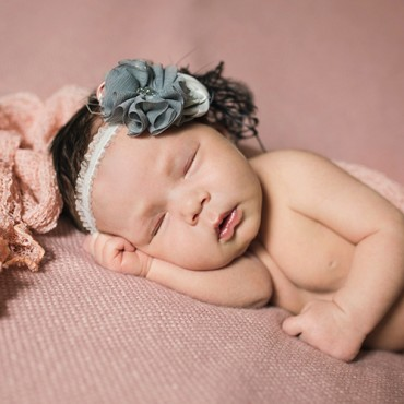 Savvy Images Newborn Photo Featured